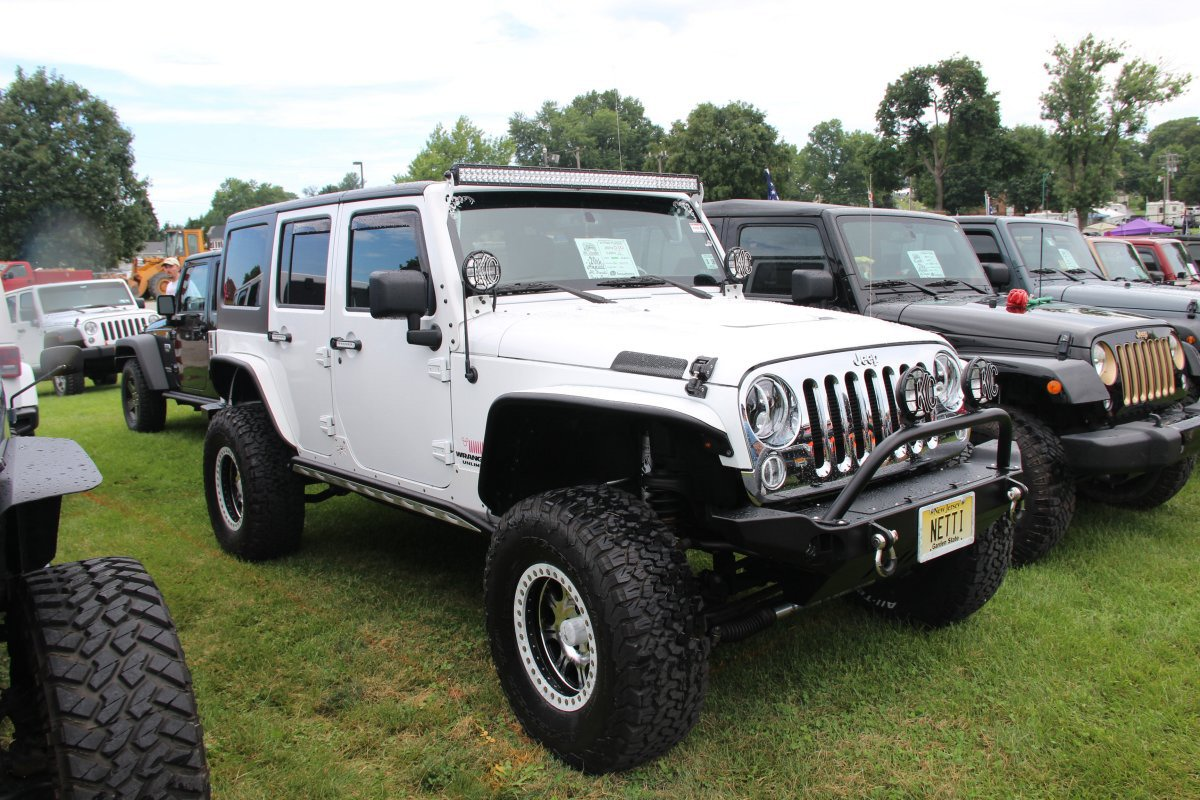 All-Breeds-Jeep-Show-2015-14