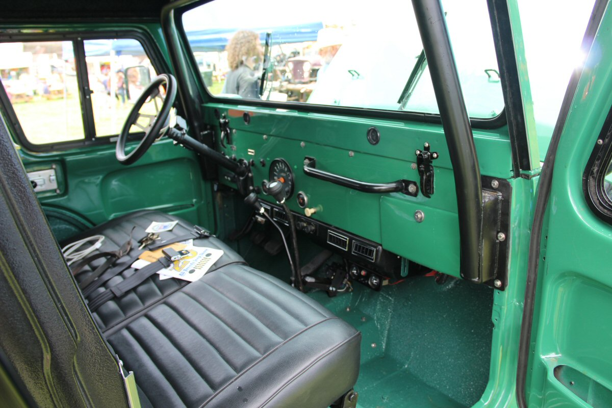 All-Breeds-Jeep-Show-2015-96