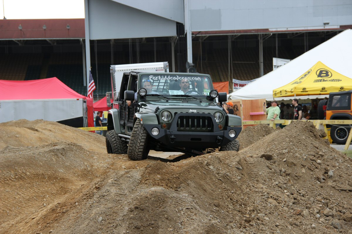 All-Breeds-Jeep-Show-2014-23