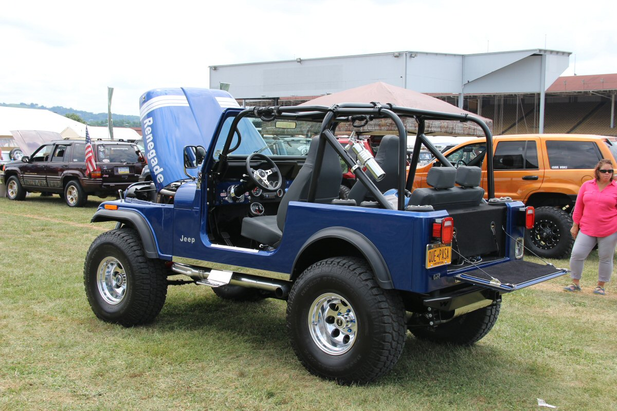 All-Breeds-Jeep-Show-2014-91