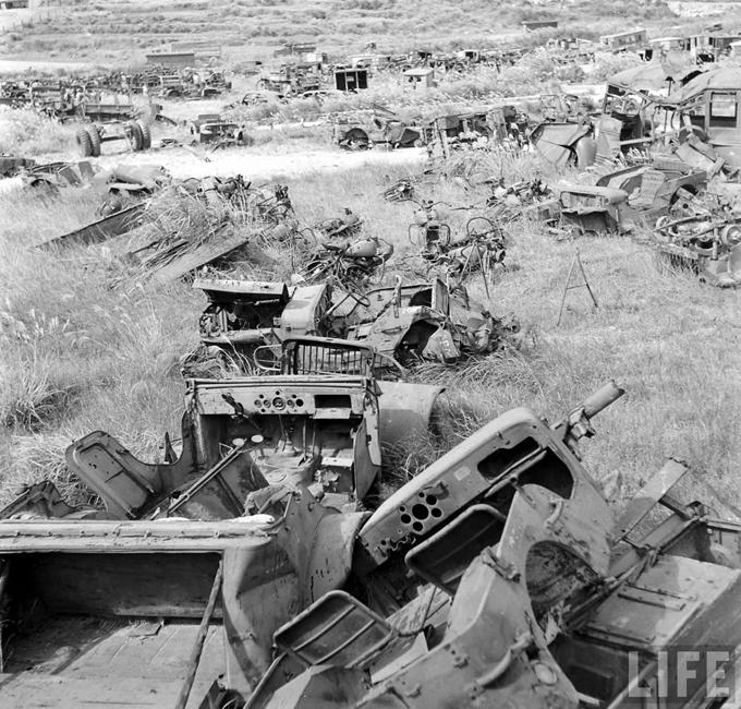 Okinawa-1949-scrapped-Jeeps-6