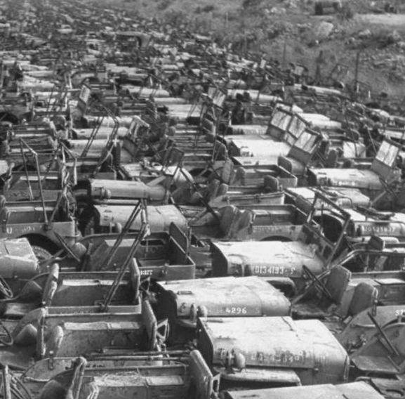 Okinawa-1949-scrapped-Jeeps-7