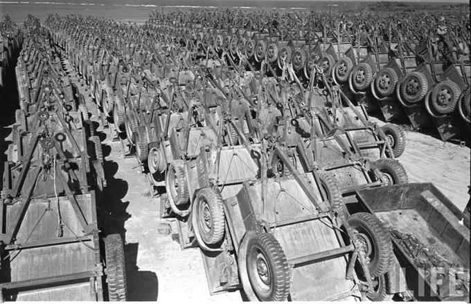 jeep-trailer-cemetary-Okinawa-1949-b