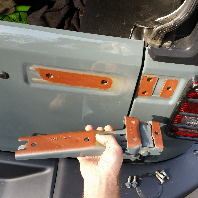 fix-rusty-hinge-2