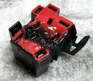 Melted Block 1 wiring tips using relays offroaders com Wiring Harness Diagram at crackthecode.co