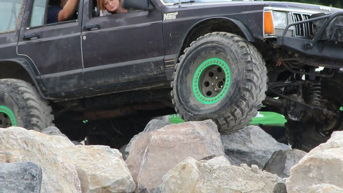 Jeep Truck >> Tire Size Guide – Does it Hit or Fit? | Offroaders.com