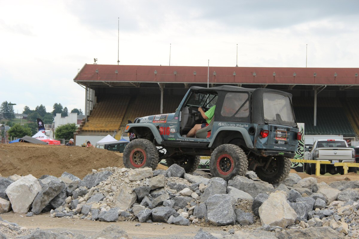 All-Breeds-Jeep-Show-2014-29