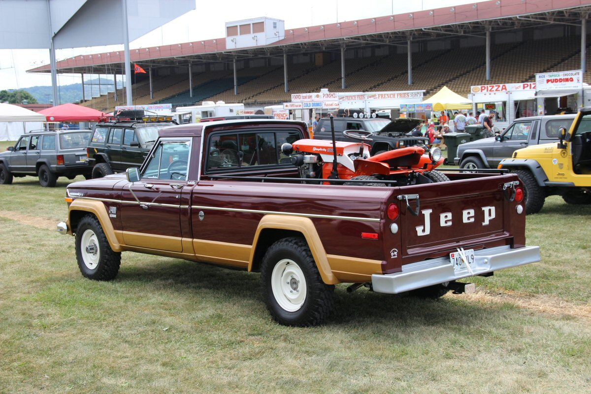 All-Breeds-Jeep-Show-2014-73